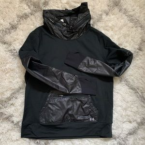 UA pullover